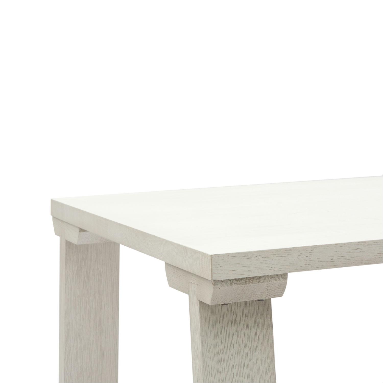 Tavolo moderno con gambe inclinate e piano in rovere for Tavolo rovere bianco